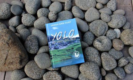 YOLO – Jorden rundt med en festabe